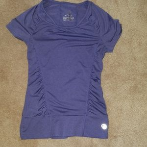 Cute purple short-sleeved activewear top